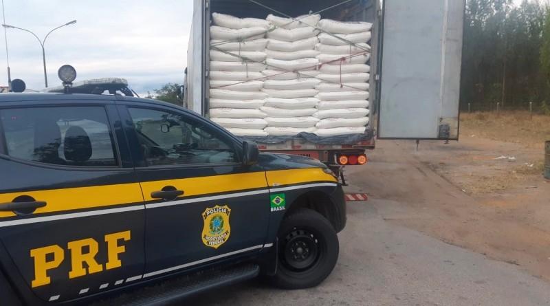 Sudoeste da Bahia: Caminhão carregado com farinha de trigo é apreendido com nota fiscal falsa
