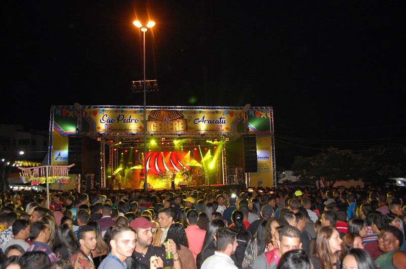 1º dia do Arraiá do Gererê no São Pedro de Aracatu é um sucesso; confira as fotos