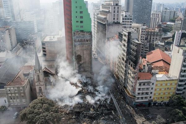 Bombeiros localizam segundo corpo no desabamento em São Paulo