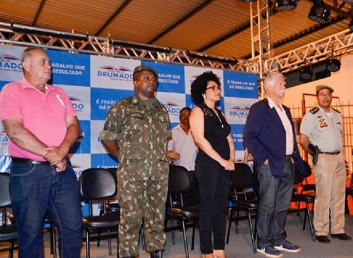Brumado: Emoção e exaltação ao modelo cívico-militar na inauguração do EMTI da Escola Idalina Azevedo