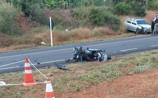 Homem morre após colisão entre carro e moto na Ba - 148, saída de Brumado para Livramento de Nossa Senhora