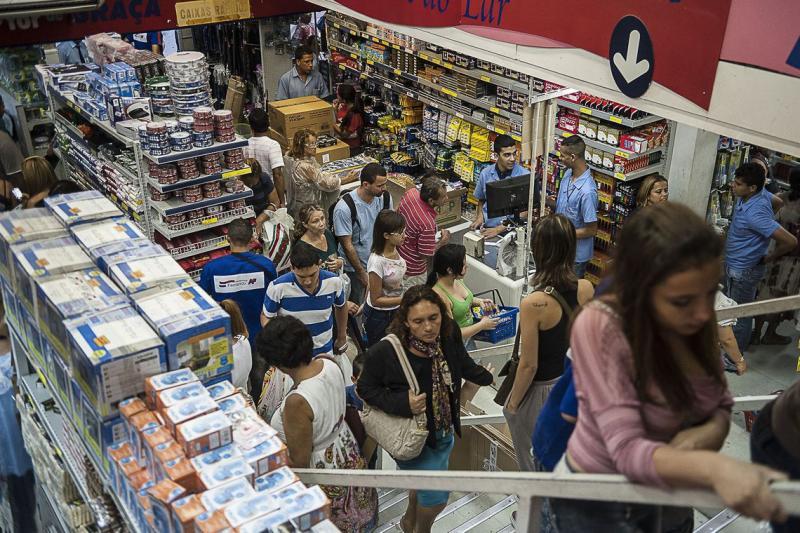 Pagamento do 13º salário injeta R$ 211,2 bilhões na economia