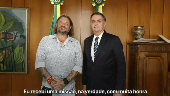 Bolsonaro nomeia Rasmussen como embaixador do turismo