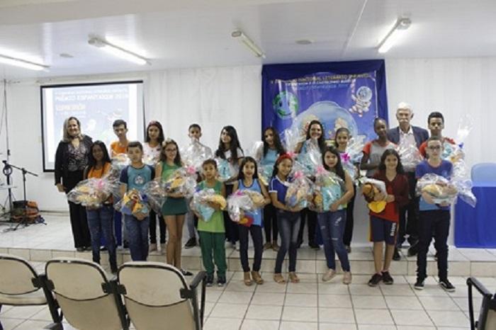 ESPANTAXIM 2018/2019: Prefeito de Brumado participa de premiação de alunos do município
