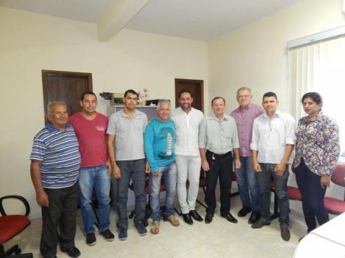 Lideranças e vereadores de Rio do Antônio e Guajeru se reúnem para discutir a questão hídrica nos municípios