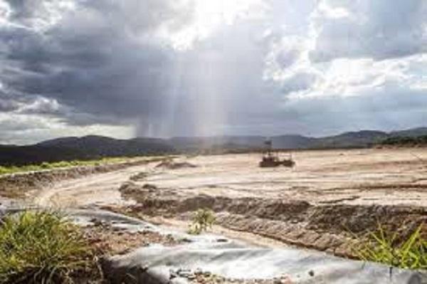 Em ruínas, a barragem de maior risco em Minas Gerais