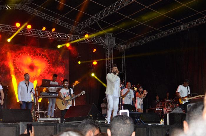 Chapada Diamantina: Show de Silvanno Salles reúne milhares de pessoas em Ibicoara; veja o vídeo