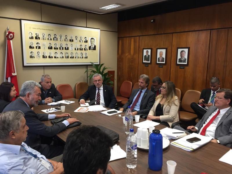 Waldenor é eleito coordenador geral do Núcleo de Educação, Cultura e Desporto do PT,no Congresso Nacional