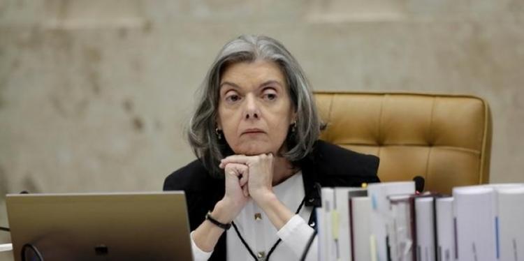 Cármen Lúcia barra posse de Cristiane Brasil em ministério