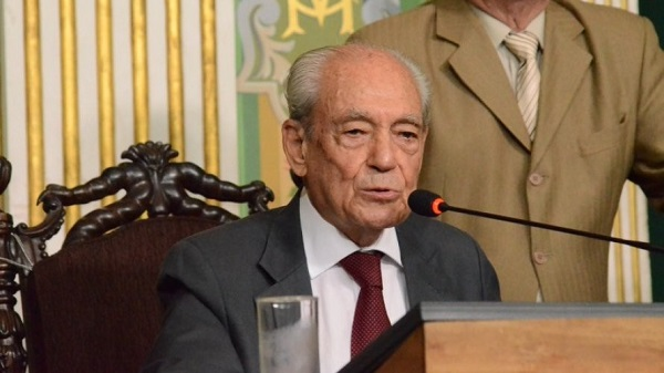Corpo de Waldir Pires será velado no Mosteiro de São Bento, em Salvador