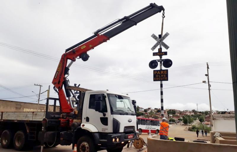 Obras na passagem da ferrovia no Bairro São Felix estão sendo concluídas pela Prefeitura de Brumado