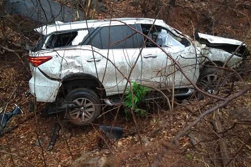 Guanambi: médico sofre acidente após carro cair em ribanceira na Serra dos Brindes