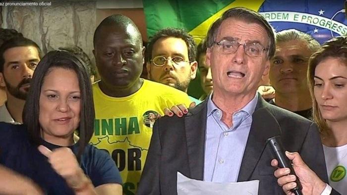 Eleito, Bolsonaro diz que fará um governo defensor da Constituição, da democracia e da liberdade