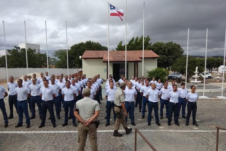 Candidatos iniciam curso de formação de soldados no 17º Batalhão de Polícia em Guanambi