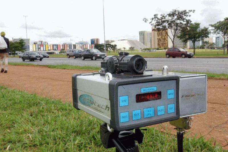 Bolsonaro manda suspender uso de radares nas rodovias federais