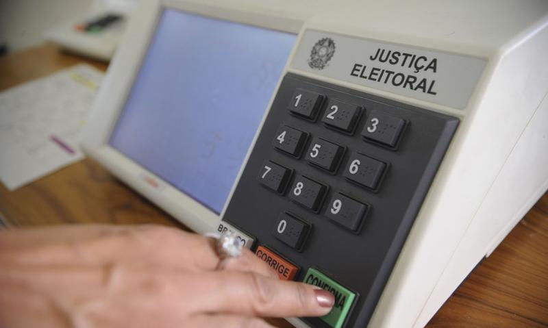 Eleitores diagnosticados com Covid-19 a partir desta semana não devem votar