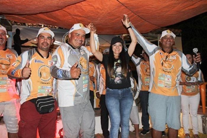 Prefeita de Anagé, Elen Zite apoia evento de Pesca Esportiva na Prainha de Anagé