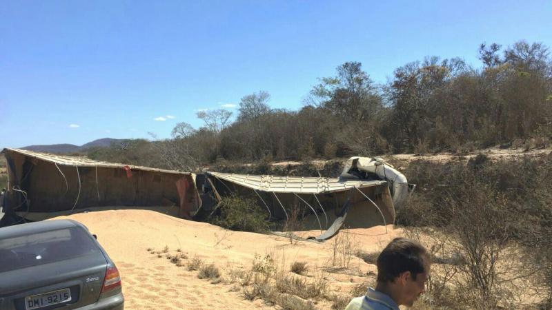 Rio - antoniense morre em grave acidente em Ibitira; carro de passeio colidiu com uma carreta