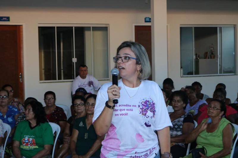 Delegada da 20ª COORPIN esclarece comunidade regional sobre os direitos das mulheres