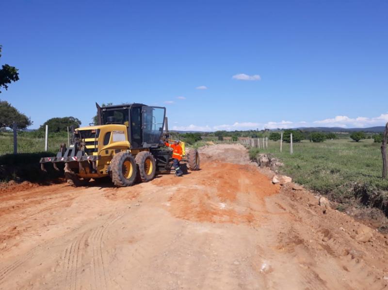 Prefeitura de Brumado inicia recuperação das estradas vicinais