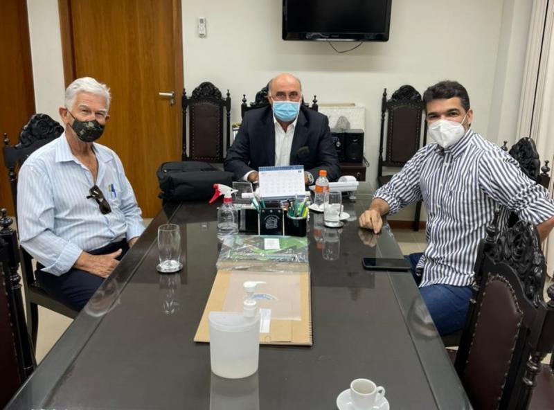 Prefeito de Brumado, com o apoio de Rogério Andrade cobra celeridade no funcionamento do presídio