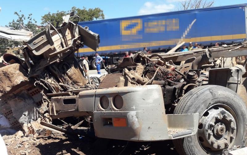 Ao menos 8 pessoas morrem e 23 ficam feridas em acidente grave em Seabra