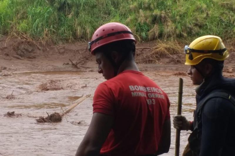 Exames detectam excesso de metais no organismo de quatro bombeiros de Brumadinho