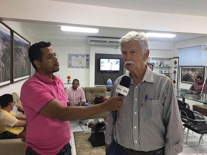 Prefeito Eduardo Vasconcelos nomeia Castilho Viana como Secretário de Planejamento; veja a entrevista