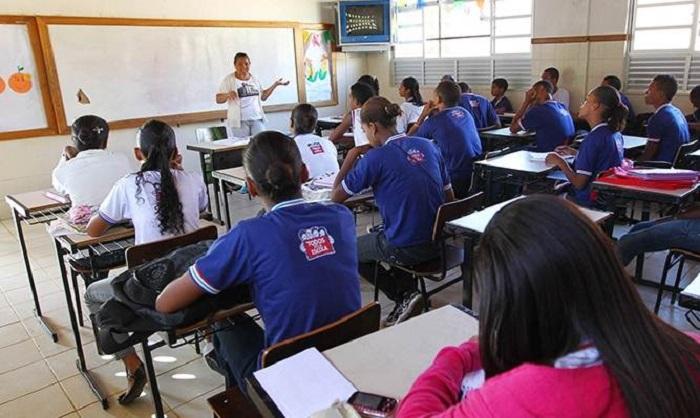 Bahia: Começam na sexta inscrições em concurso para contratar professores na rede estadual