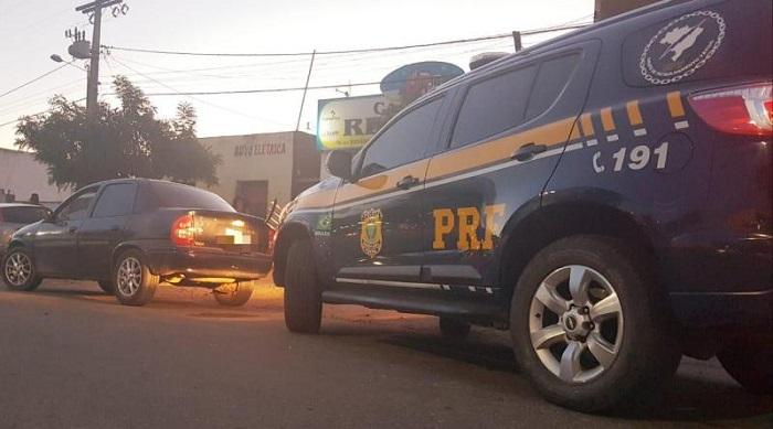 Adolescente é flagrado com veículo roubado na BR-116, em Jequié