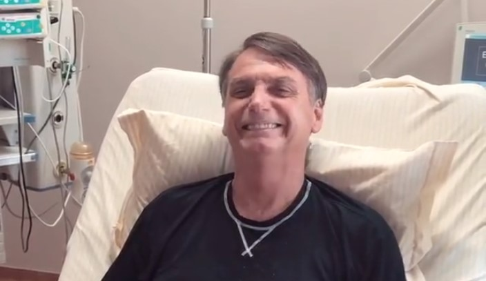Bolsonaro recebe alta e deixa hospital em São Paulo