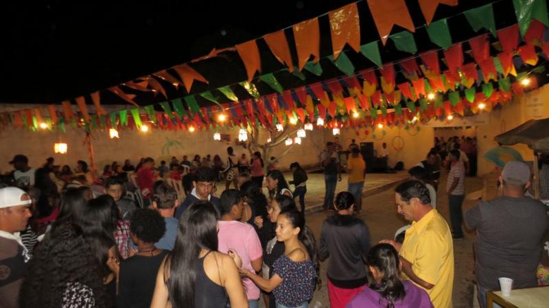 Arraiá dos Garis é realizado em Aracatu com profissionais da limpeza pública