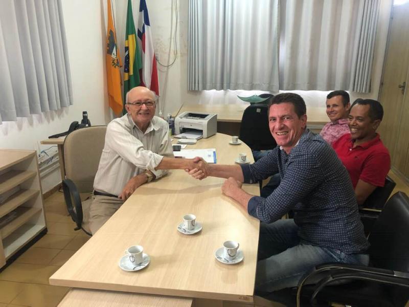 Prefeitos se reúnem para discutirem Construção de Ponte e Passagem Molhada que beneficiarão Tanhaçu e Mirante