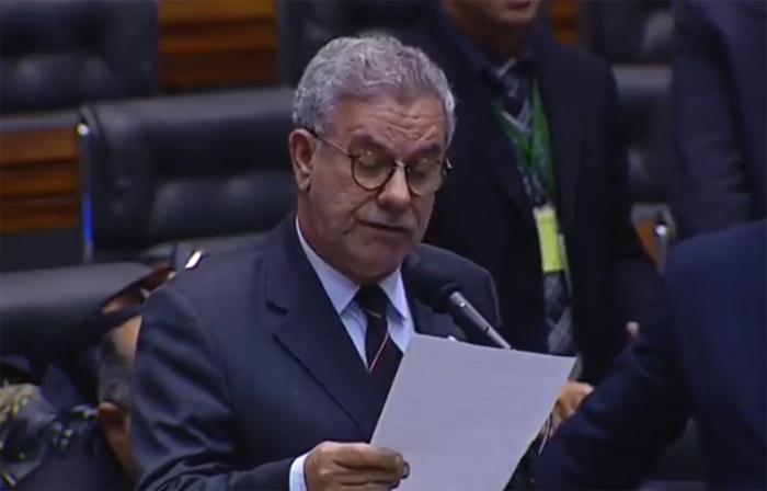 Waldenor Pereira apresenta moção de aplauso na Câmara dos Deputados pelos 33 anos de emancipação do município de Maetinga; veja o vídeo