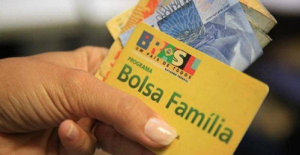 Governo estuda aumentar o valor pago pelo Bolsa Família