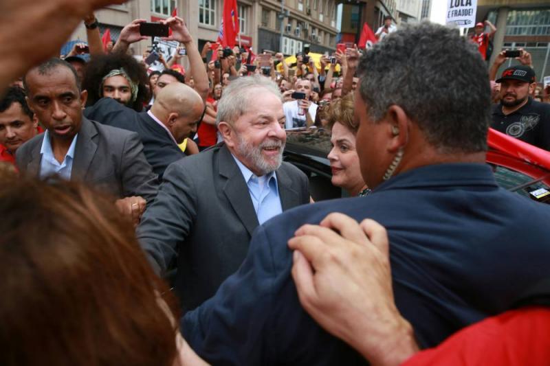 Sob tensão, TRF4 faz julgamento decisivo para o futuro de Lula