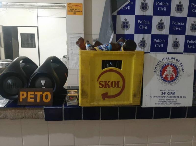 Brumado: PM apreende drogas e encerra festa clandestina em bar na Avenida Dr. Guilherme Dias