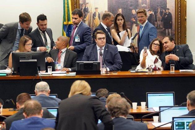 Reforma vai gerar economia de R$ 1,236 trilhão em 10 anos, diz governo