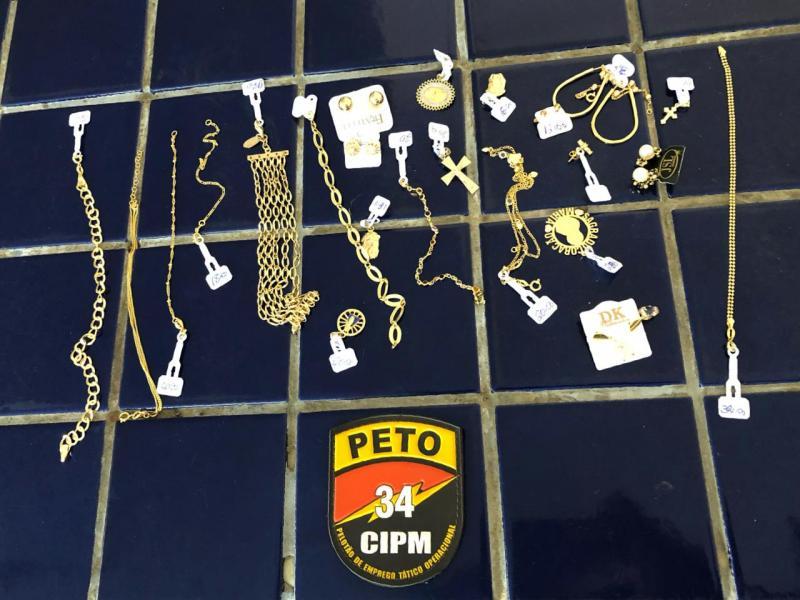 Brumado: Bandido rouba mais 12 mil em jóias em Salão de Beleza no Bairro São Félix, polícia age rápido e recupera