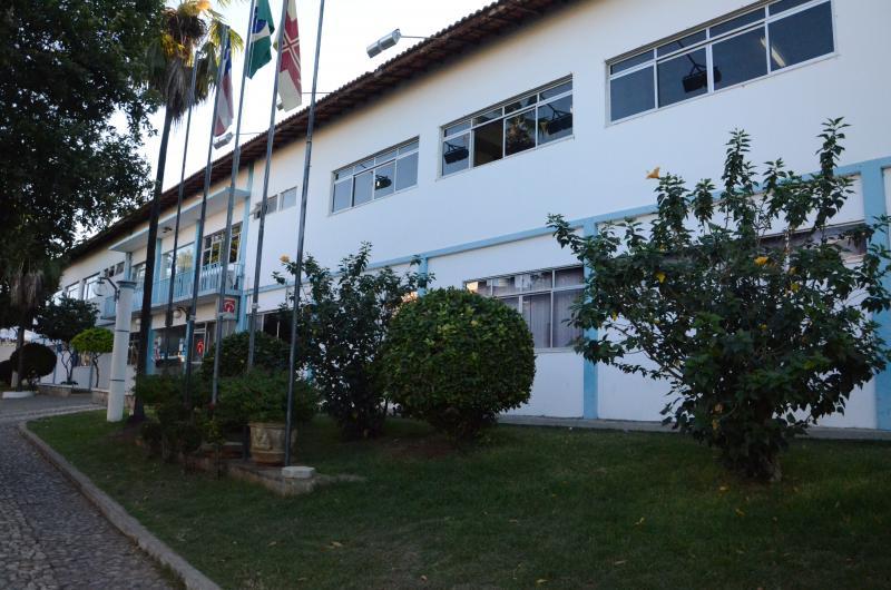 Prefeitura de Brumado abre vaga para cuidadora de creche; inscrições nesta segunda e terça