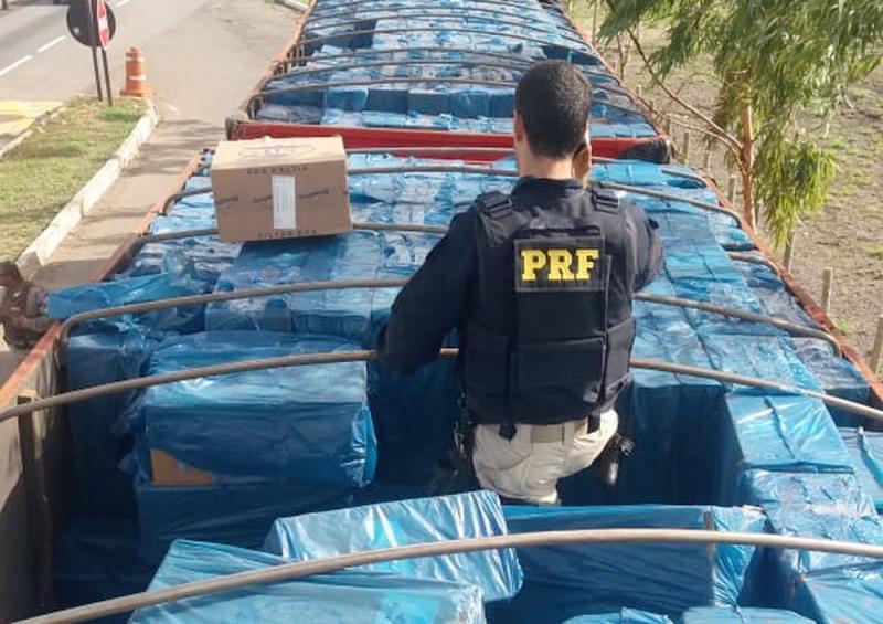 Carga com 13 milhões de cigarros contrabandeada do Uruguai é apreendida na Bahia