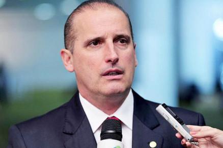 Onyx Lorenzoni é nomeado ministro extraordinário e começa transição de governo
