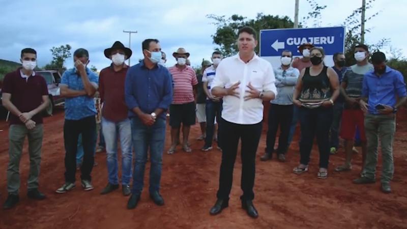 Prefeitura de Guajeru revitaliza estrada que dá acesso a Caculé
