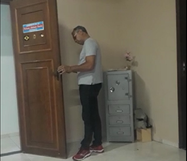 Vereador contrata seguranças e troca fechaduras da Câmara de Rio do Antônio após ter decisões negadas pela justiça; veja o vídeo