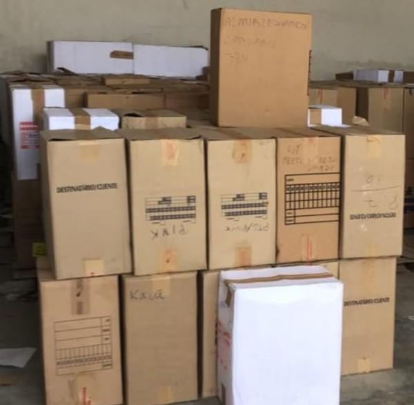 Feira de Santana: Carga com cerca de 5 mil calçados pirateados é apreendida