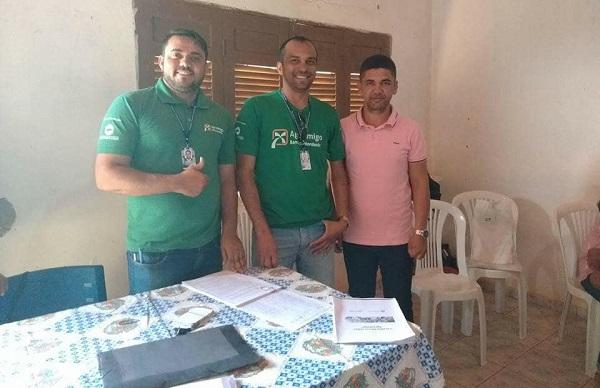 Prefeitura de Guajeru, por meio de parceiras, concede crédito rural a 40 agricultores familiares