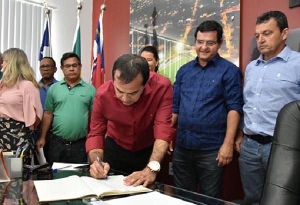 Vice assume a prefeitura de Guanambi após prefeito se afastar do cargo