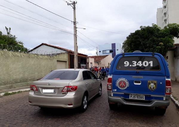 Homem é morto na madrugada desta quarta (25) em Brumado; o corpo foi encontrado em residência vazia