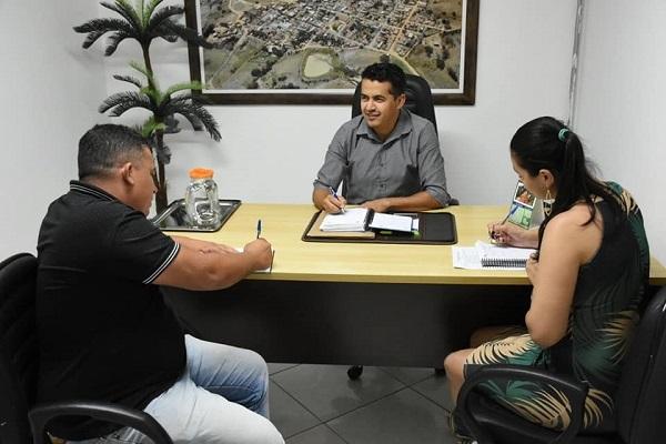 Campeonato de Futebol Society será realizado em Guajeru; prefeito se reuniu com novo diretor de esportes