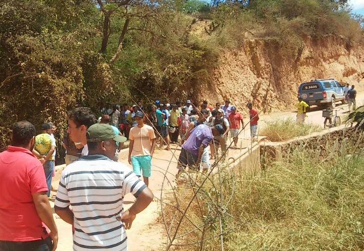 Homem morre após perder controle de moto e cair de uma ponte em Ituaçu